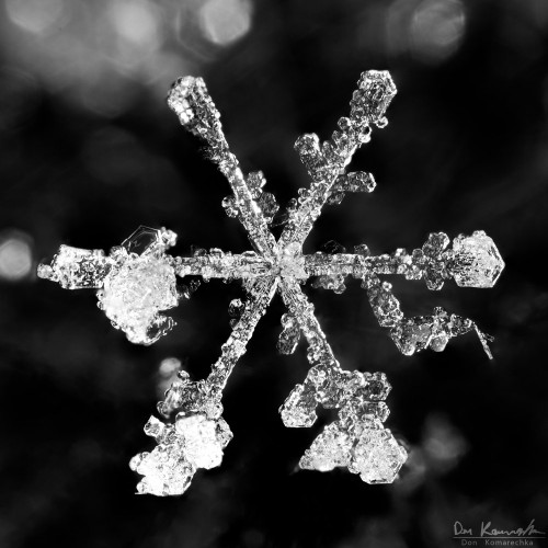 This snowflake resembles a spiral of monkey wrenches, or a tire iron